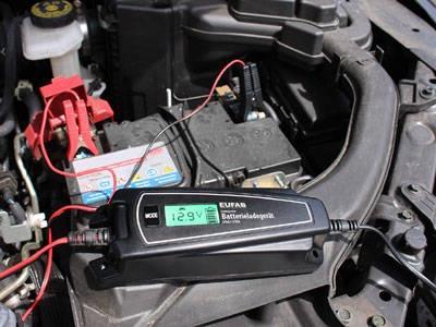 Intelligentes Batterieladegerät 6/12 V  4A