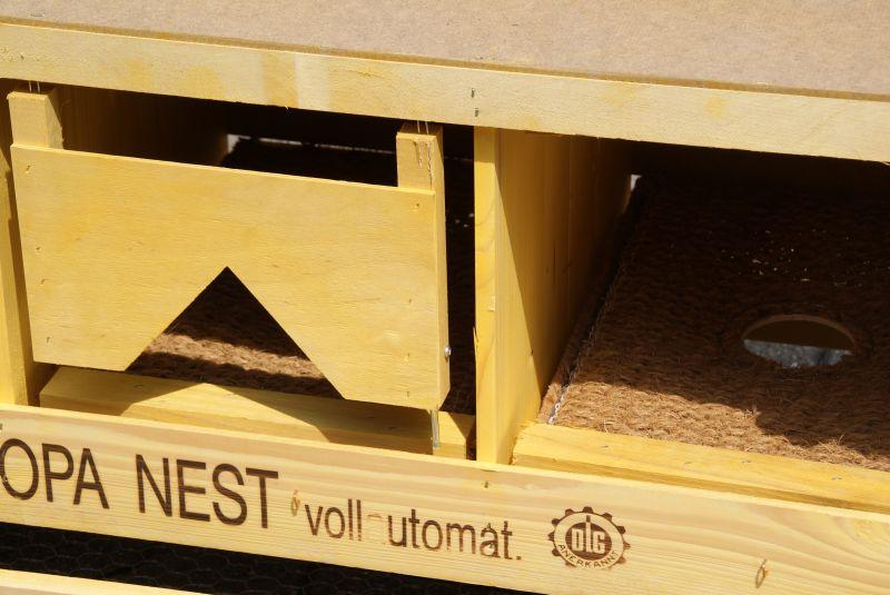 Detailbild Europa-Nest Tür und Kokosmatte